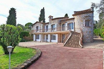 Maison à vendre à MOUGINS  - 7 pièces - 350 m²