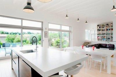 Maison à vendre à CHARNAY LES MACON  - 6 pièces - 215 m²