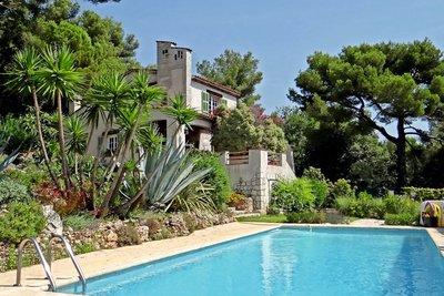 Appartement à vendre à TOURRETTES-SUR-LOUP  - 6 pièces - 177 m²