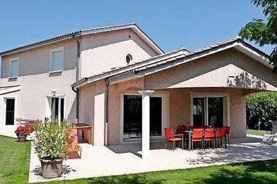 Maison à vendre à CHARNAY LES MACON  - 7 pièces - 160 m²
