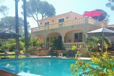 Maison à vendre à ST-RAPHAEL  - 6 pièces - 140 m²