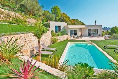 Maison à vendre à VALLAURIS  - 4 pièces - 170 m²