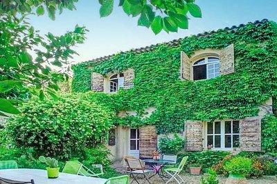 Maison à vendre à PELISSANNE  - 6 pièces - 180 m²
