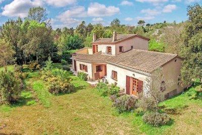 Maison à vendre à ROQUEFORT-LES-PINS  - 5 pièces - 170 m²