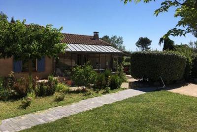 Maison à vendre à ST-ESTEVE-JANSON  - 6 pièces - 160 m²