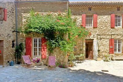 House for sale in VAISON-LA-ROMAINE   - 500 m²