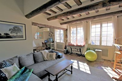 Apartment for sale in AIX-EN-PROVENCE  - 3 rooms - 74 m²