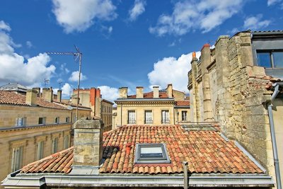 Apartment for sale in BORDEAUX  - 2 rooms - 60 m²