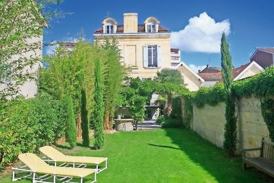 House for sale in BORDEAUX  - 8 rooms - 330 m²
