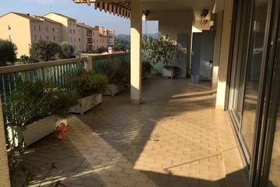 Appartement à louer à ANTIBES  - 4 pièces - 160 m²
