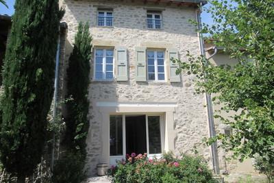 - 18 pièces - 480 m²