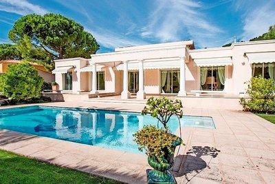Maison à vendre à VILLEFRANCHE-SUR-MER  - 6 pièces - 250 m²