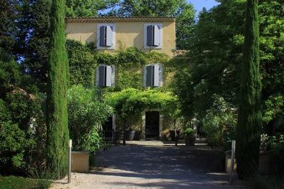Maison à vendre à LE THOR  - 15 pièces - 380 m²
