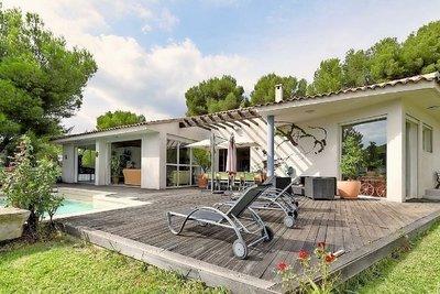 Maison à vendre à SALON-DE-PROVENCE  - 6 pièces - 280 m²