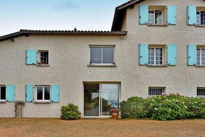 Maison à vendre à CHASSELAY  - 7 pièces - 273 m²