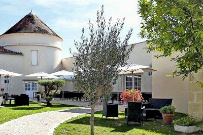 Maison à vendre à ROCHEFORT   - 1200 m²