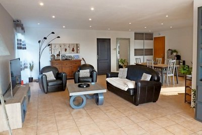 Maison à vendre à SAUZET   - 170 m²