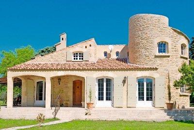 Maison à vendre à MAUSSANE-LES-ALPILLES  - 6 pièces - 156 m²