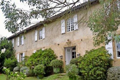 Maison à vendre à SARAMON  - 8 pièces - 350 m²