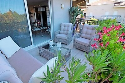 Apartment for sale in FREJUS  - 4 rooms - 100 m²