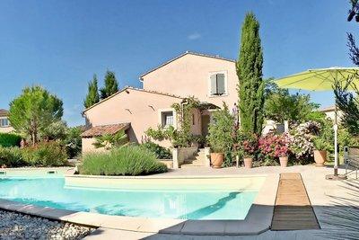 Maison à vendre à ST-PAUL-TROIS-CHATEAUX  - 6 pièces - 130 m²