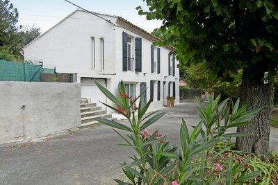 Maison à vendre à LAMBESC  - 6 pièces - 220 m²