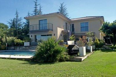 Maison à vendre à AIX-EN-PROVENCE  - 9 pièces - 2600 m²