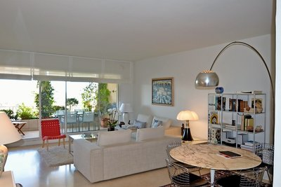 Apartment for sale in AIX-EN-PROVENCE  - 2 rooms - 72 m²