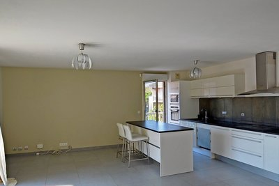 Apartment for sale in AIX-EN-PROVENCE  - 4 rooms - 106 m²