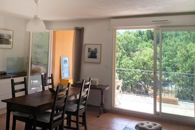 Appartement à vendre à CHATEAUNEUF-LE-ROUGE  - 3 pièces - 69 m²