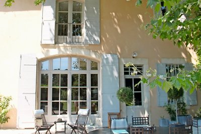 House for sale in ST-REMY-DE-PROVENCE  - 7 rooms - 220 m²