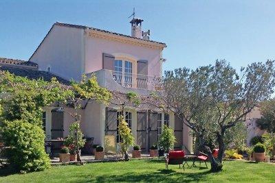 Maison à vendre à EYRAGUES  - 7 pièces - 215 m²