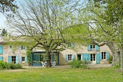 Maison à vendre à EYGALIERES  - 11 pièces - 400 m²