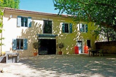 Maison à vendre à GRAVESON  - 7 pièces - 300 m²