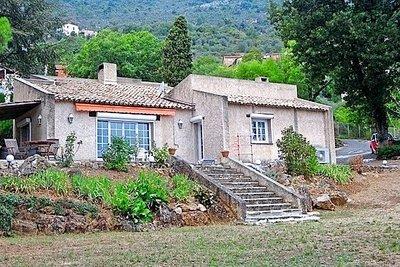 Maison à vendre à CHATEAUNEUF-VILLEVIEILLE  - 4 pièces - 4168 m²