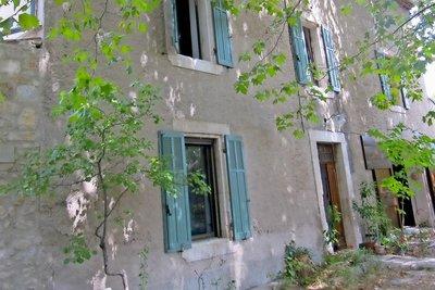 Maison à vendre à COUDOUX  - 9 pièces - 340 m²