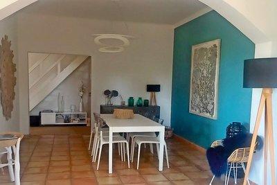 Maison à vendre à ROGNES  - 7 pièces - 250 m²