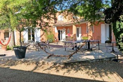 Maison à vendre à LE PUY-STE-REPARADE  - 10 pièces - 250 m²