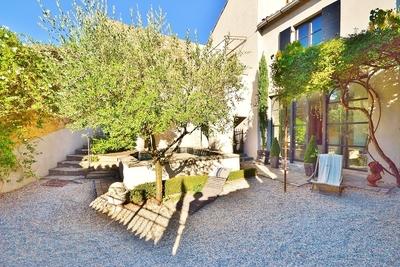 Maison à vendre à UZES  - 8 pièces - 270 m²