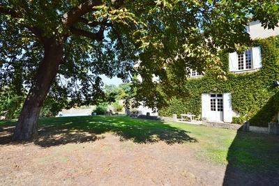 Maison à vendre à UZES  - 12 pièces - 357 m²
