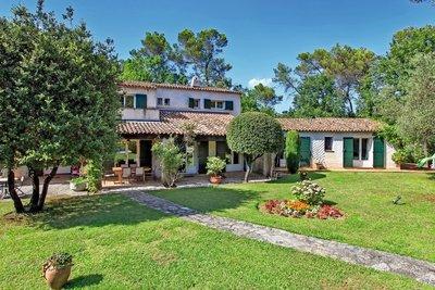 Maison à vendre à VALBONNE  - 8 pièces - 220 m²