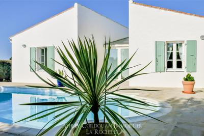 Maison à vendre à LA FLOTTE  - 5 pièces - 198 m²