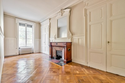 Apartment for sale in LYON  6EME  - 4 rooms - 188 m²