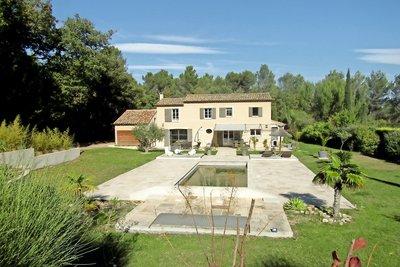 Maison à vendre à VENELLES  - 6 pièces - 4200 m²