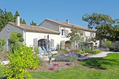 Maison à vendre à CHATEAURENARD  - 10 pièces - 320 m²