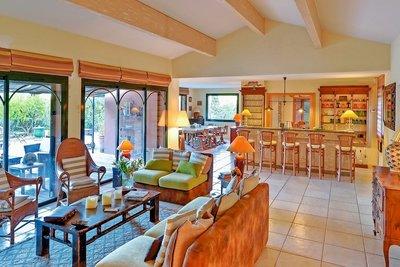 Maison à vendre à CASSIS  - 9 pièces - 285 m²