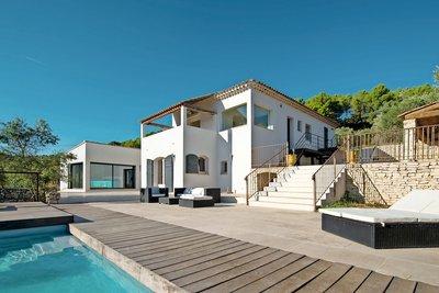Maison à vendre à AIX-EN-PROVENCE  - 6 pièces - 260 m²