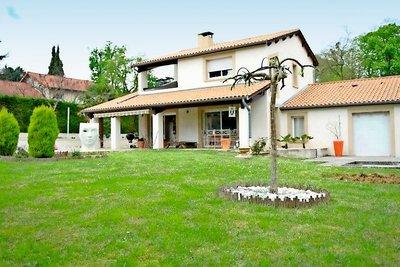 Maison à vendre à COLLONGES-AU-MONT-D'OR  - 7 pièces - 270 m²