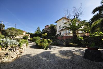 Maison à vendre à CAP D'ANTIBES  - 5 pièces - 200 m²