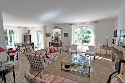 Maison à vendre à ST-MARC-JAUMEGARDE  - 5 pièces - 170 m²